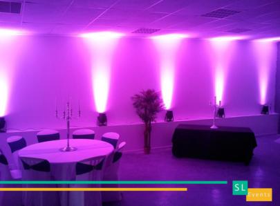 anniversaire-bapteme-location-pack-eclairage-lumière-décoration-salle-mariage-projecteur-murs-ambiance-effet-soiree-table